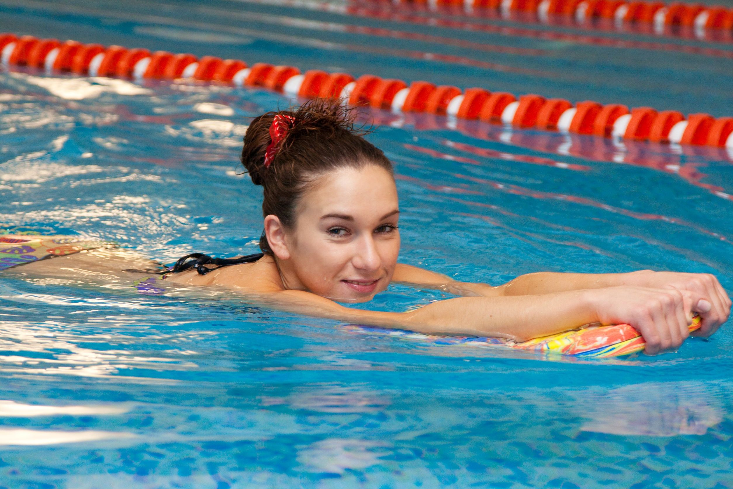 Perfect pool exercises even for non swimmers slendher for Swimming pool exercises for buttocks