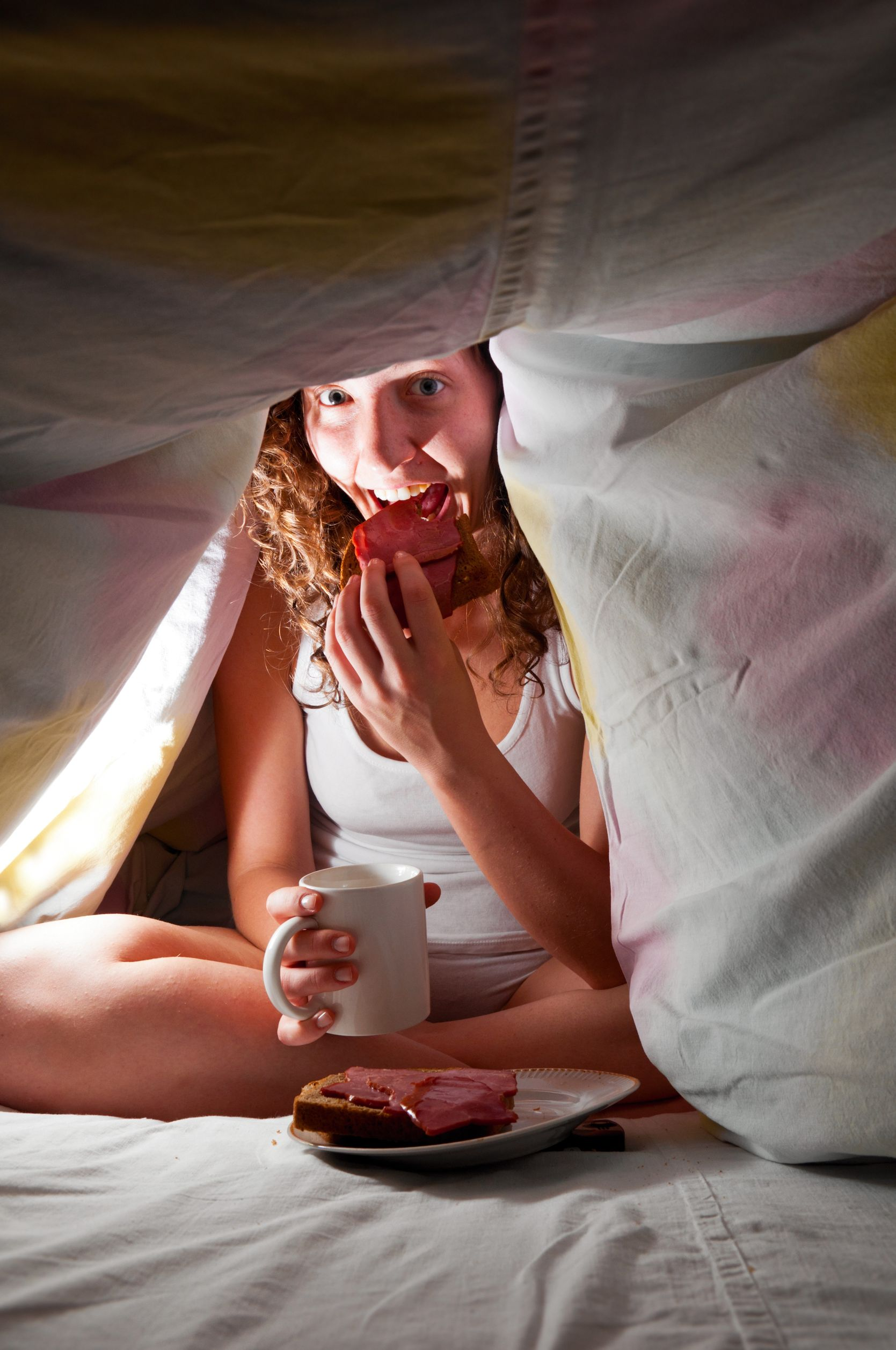 Late Night Hunger: 4 Nighttime Habits That Are Making You Fat